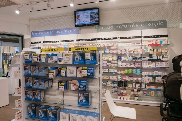 Farmacia Brugherio dottori Molgaro misuratori di pressione aerosol